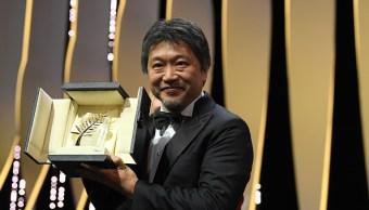 Kore-eda triunfa en Cannes con cinta de crítica social