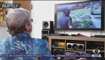 Abuela gamer de 82 años causa sensación en