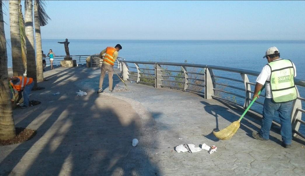 Mar de fondo provoca alto oleaje costas de Guerrero