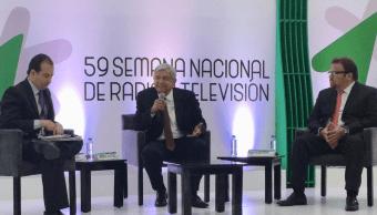 López Obrador expone propuesta de gobierno ante industriales radio televisión
