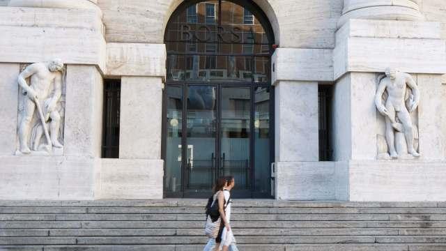 Principales Bolsas europeas caen ante situación política en Italia