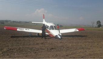 Avioneta realiza aterrizaje forzoso en Toluca