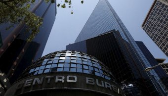 Bolsa Mexicana avanza en línea con mercados en EU
