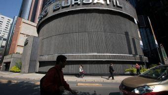 Bolsa Mexicana gana 0.60%, atenta a conflictos