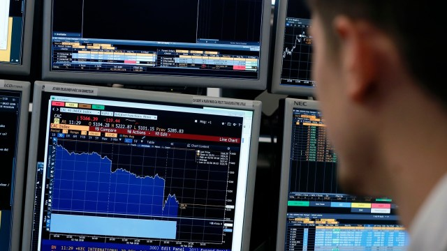 Bolsas europeas abren con bajas generalizadas