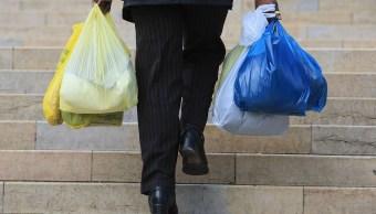 Chile prohíbe usar bolsas plástico comercios