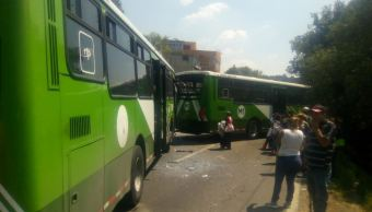 Chocan dos camiones en la México-Cuernavaca; hay 6 heridos