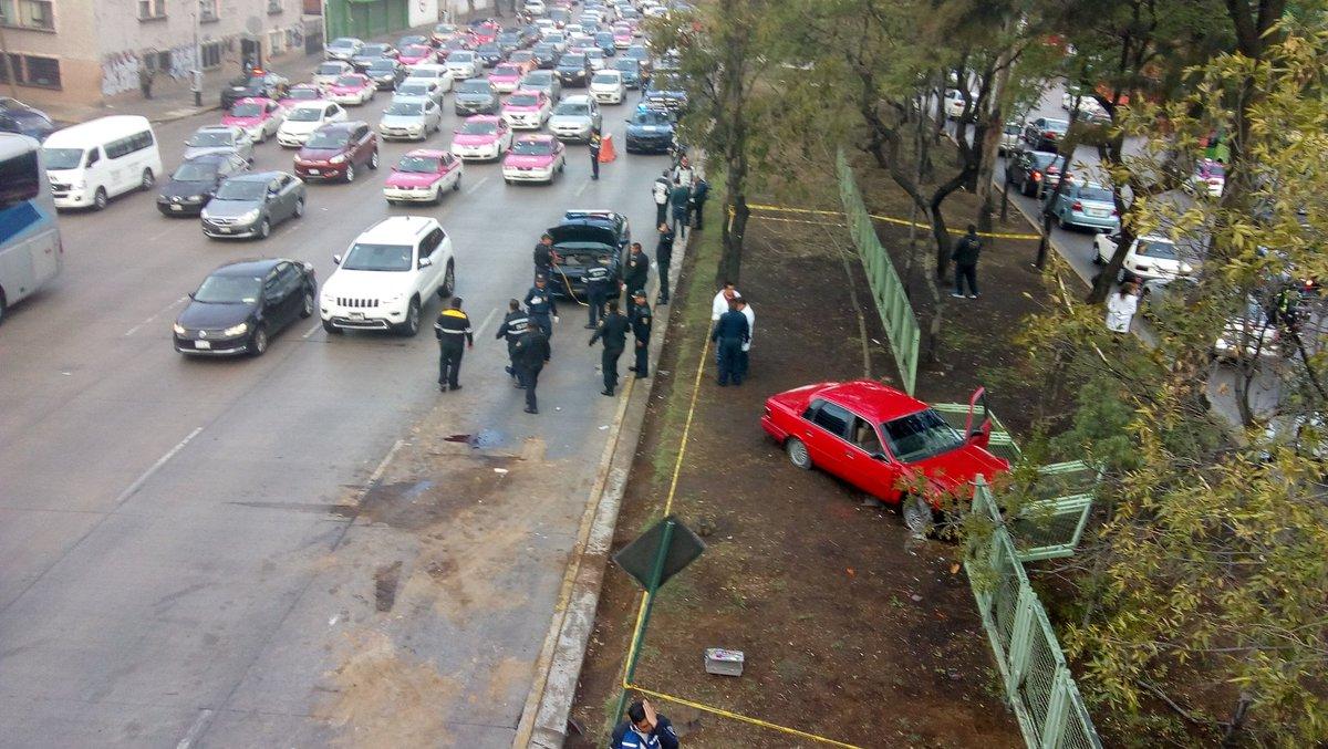 Choque automovilístico deja un muerto y dos heridos