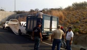 Hallan nueve personas muertas dentro de camioneta abandonada en Guerrero