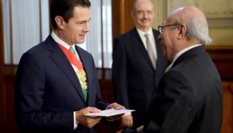 Peña Nieto recibe cartas credenciales de 18 embajadores