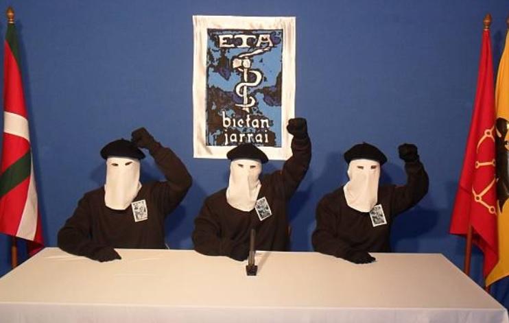 La organización terrorista ETA anuncia su disolución