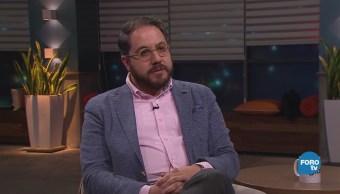 Genaro Lozano entrevista a Arturo Magaña