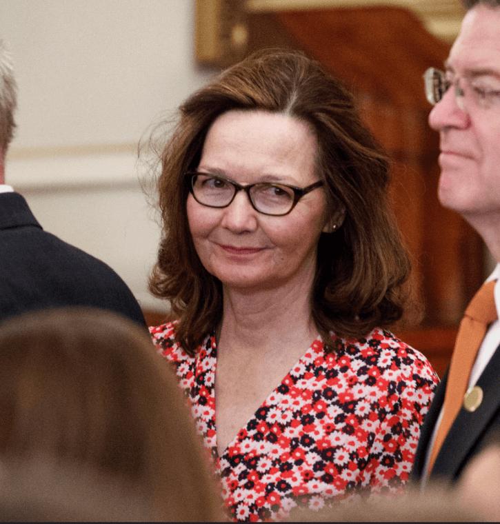Trump defiende nominación de Gina Haspel para dirigir la CIA