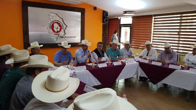 Jaime Rodríguez defiende que el campo puede salvar a México