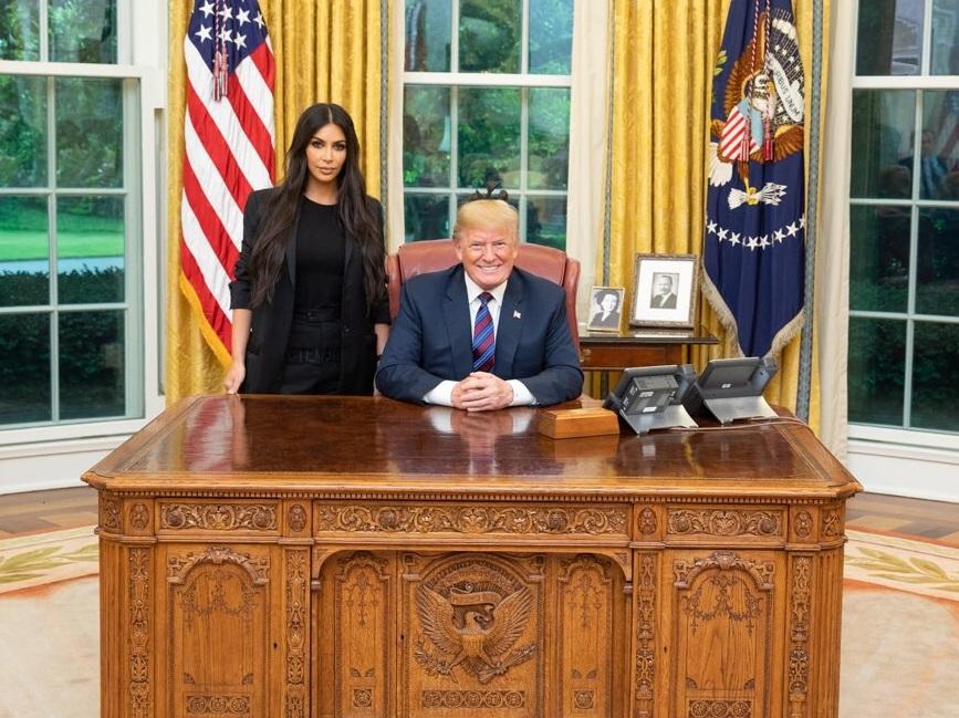 Trump conmuta sentencia mujer respaldada Kim Kardashian