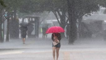 Lluvias afectan avenidas en áreas conurbadas de Veracruz