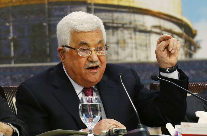 Abbas estará hospitalizado dos días más por neumonía