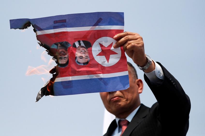 EU mantiene esperanza en reunión entre Trump y Kim