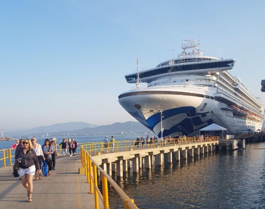 Finaliza temporada de cruceros en Manzanillo, Colima