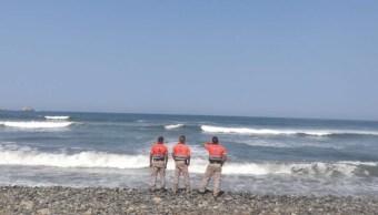 Mar de fondo provoca alto oleaje en Acapulco