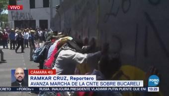 Marcha CNTE Arriba Avenida Bucareli