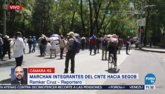Marchan integrantes de la CNTE rumbo a Segob