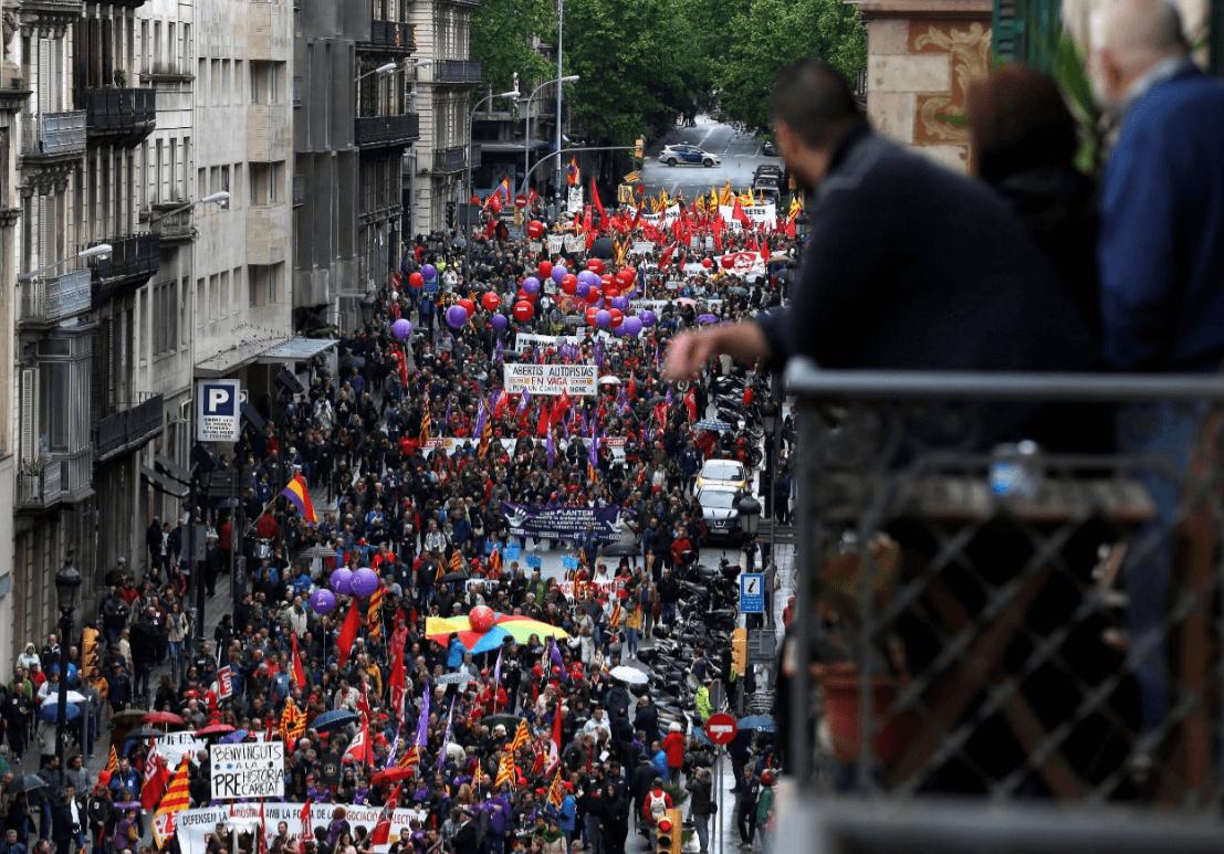 Marchas en España durante el 1 de mayo. (AP)