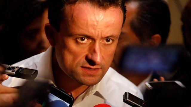 Mikel Arriola explica denuncia por trata de personas