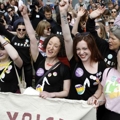 Gana el 'sí' para permitir aborto en Irlanda