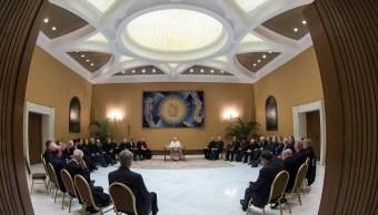 Papa Francisco recibe 34 obispos chilenos para abordar casos de abusos sexuales