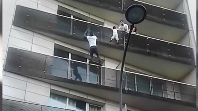 Padre niño que colgaba en París iría prisión