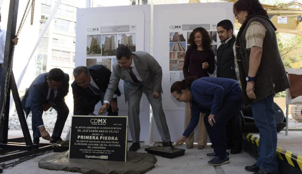 Colocan primera piedra de la reconstrucción del edificio 'Osa Mayor'
