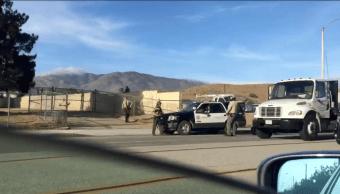 Adolescente resulta herido en tiroteo en escuela en California