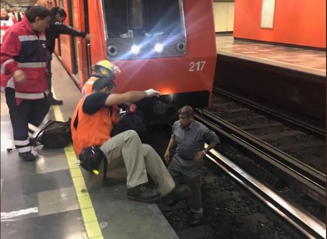 reascatan a persona cayó vias del metro linea 3 eugenia