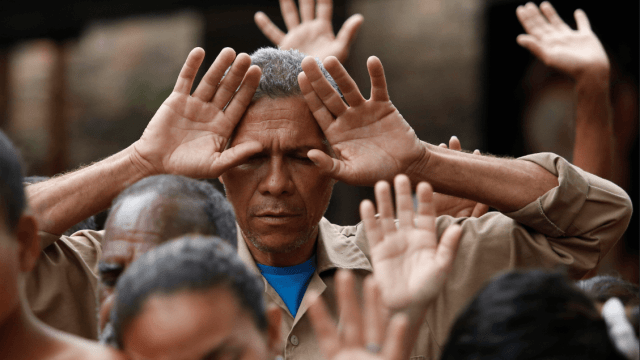 Vaticano presenta plan para ayudar a inmigrantes venezolanos
