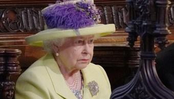 Reina Isabel II otorga título de duque de Sussex al príncipe Enrique