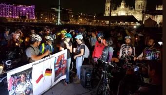 Ciclistas en CDMX exigen justicia por extranjeros asesinados en Chiapas