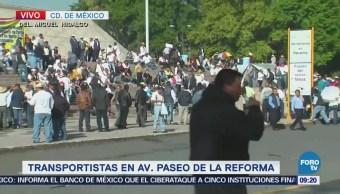 Se congregan transportistas en Paseo de la Reforma, CDMX