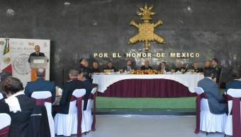 Sedena festeja el Día del Maestro en el Colegio Militar