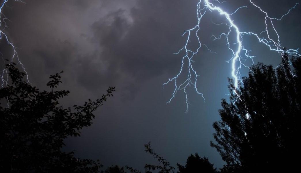 Vaguada propicia altas temperaturas y lluvias fuertes en Península de Yucatán