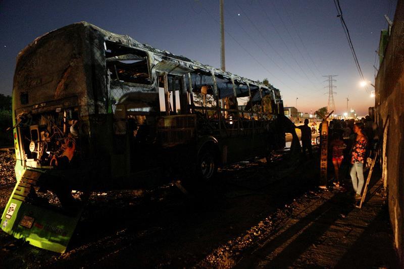 Se recupera madre del niño que murió en incendio de camión