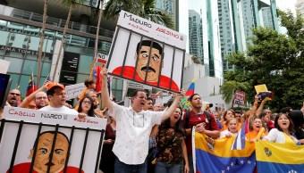 Elección de Venezuela fue una farsa, dice Mike Pence