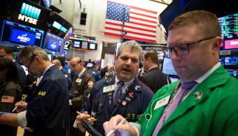 Wall Street cierra mixto y Dow Jones sube