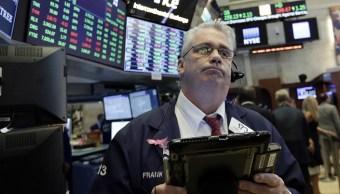Wall Street cierra pérdidas y Dow Jones desciende