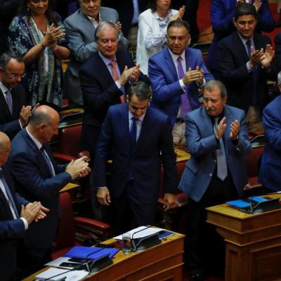 Tsipras supera moción de censura por nombre de Macedonia