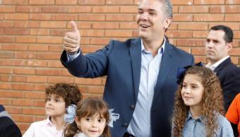 ivan duque presidente colombia partido centro