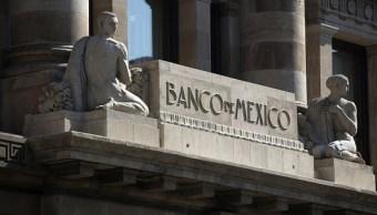 Analistas financieros esperan alza de tasas del Banxico