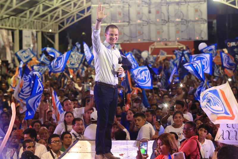 Preocupa a Ferriz de Con populismo de AMLO; expresa apoyo a Anaya
