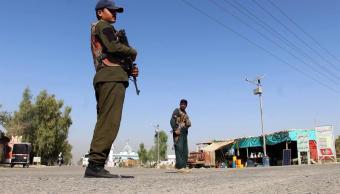 Talibanes afganos anuncian alto al fuego durante tregua