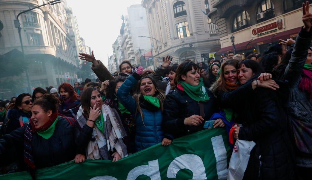 Diputados argentinos aprueban ley para despenalizar el aborto